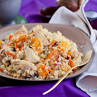 Pilaf in a slow cooker with chicken