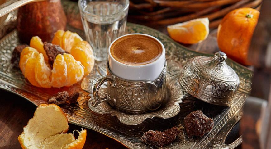 Coffee with tangerine and lavender aroma