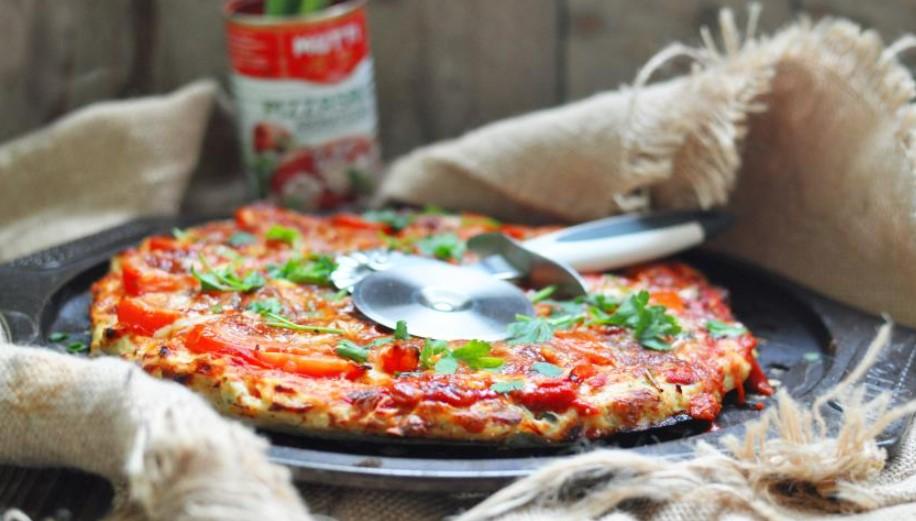 Chicken dough pizza