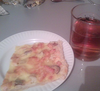 Pizza Amazing with hot herbal tea