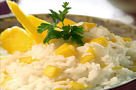 RICE WITH YOGHURT AND PIECES OF MANGO