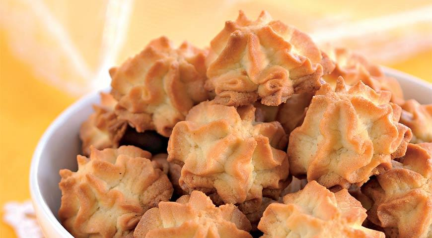 Mouth-melting cookies with mayonnaise
