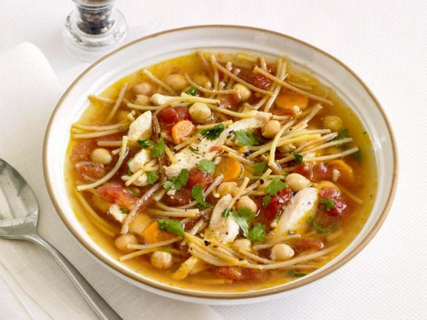 Chicken soup with chickpeas and spaghetti