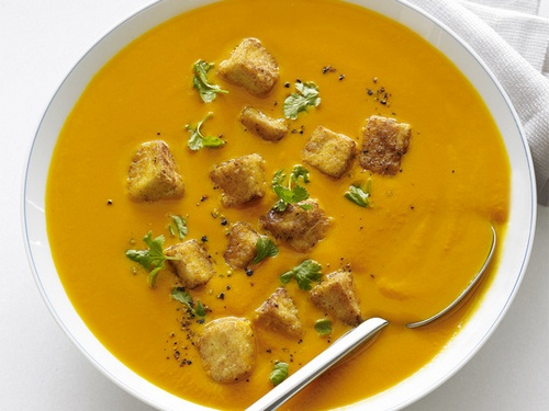 Carrot - ginger cream soup with tofu