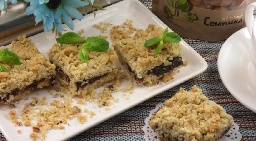 Caramel cookie-cake