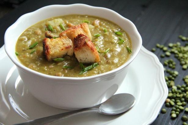 Greek pea puree soup