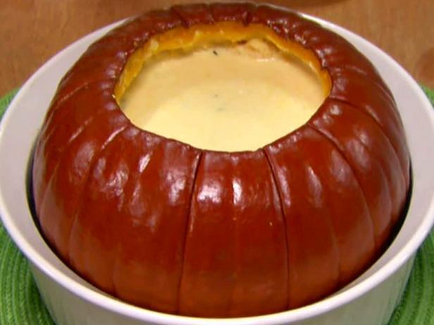 Pumpkin puree soup in pumpkin