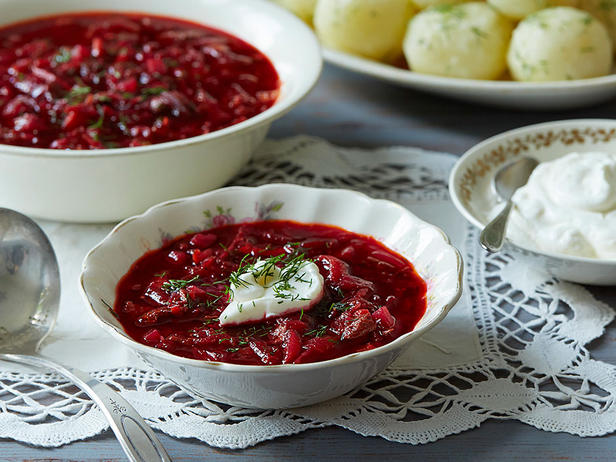 Savoy cabbage soup with beets