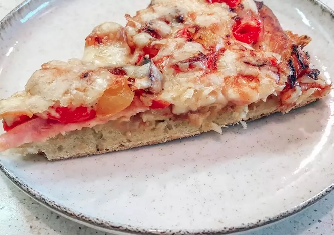 Kefir pizza without yeast in the oven