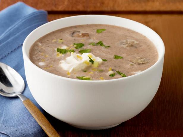 Mushroom soup with hummus