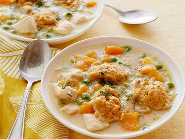 Chicken in a light broth with dill and dumplings