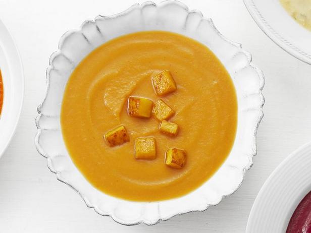 Butternut pumpkin puree soup with apple