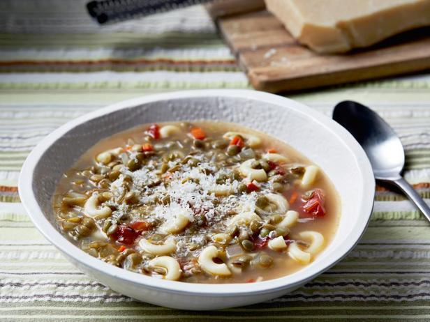 Lentil soup with pasta