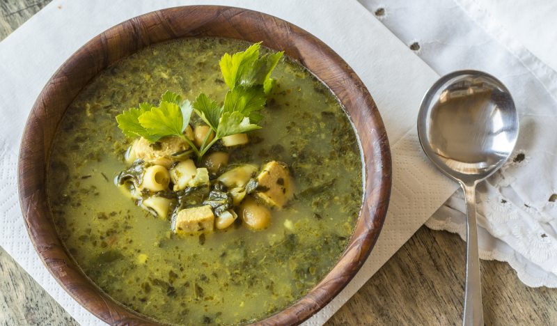 Chicken soup with spinach and pesto