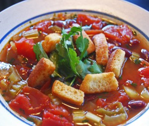 Vegetable soup with red beans