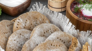 Rye cakes on kefir without yeast in the oven
