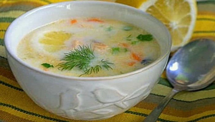 How to make fish soup from salmon ridges with potatoes