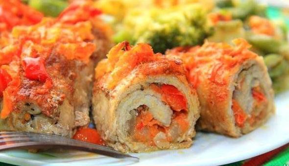 Meat rolls from pork