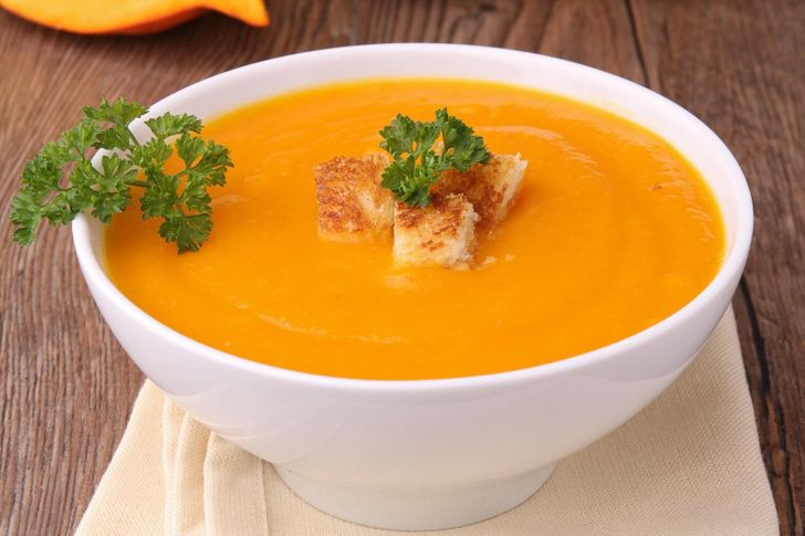 Carrot soup with orange juice