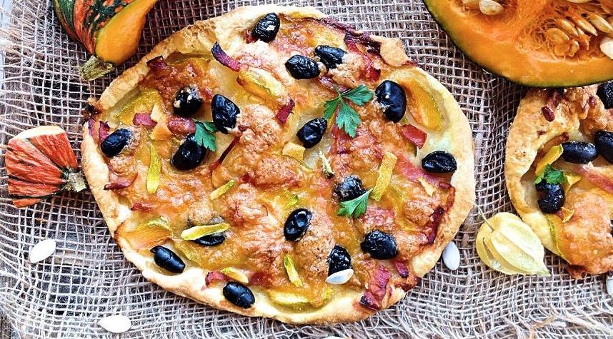 Pizza with pumpkin and mozzarella