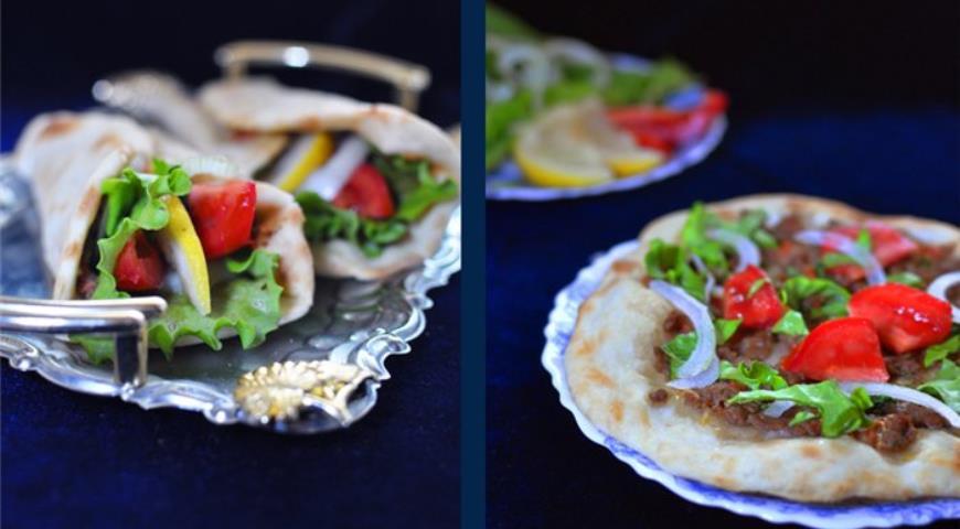 Lahmajun - Turkish pizza