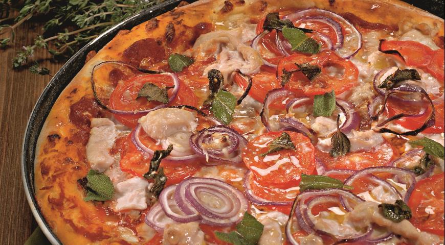 Turkey sage pizza