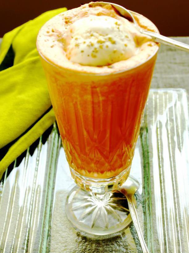 Carrot juice with cream