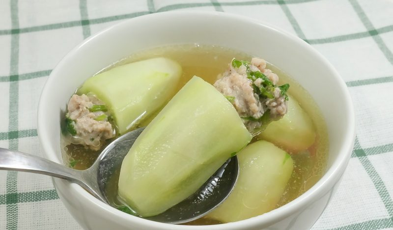 Thai soup with stuffed cucumbers