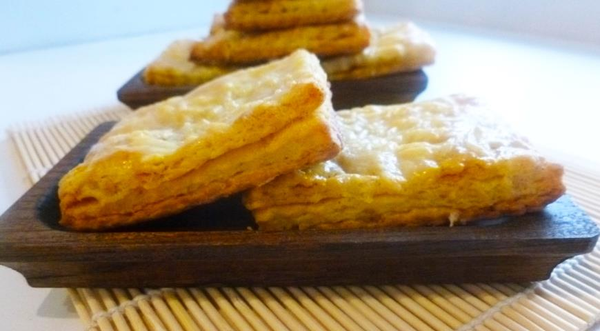 Cheese cookies with paprika