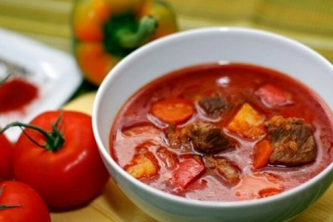 Beef goulash soup with Transcarpathian potatoes