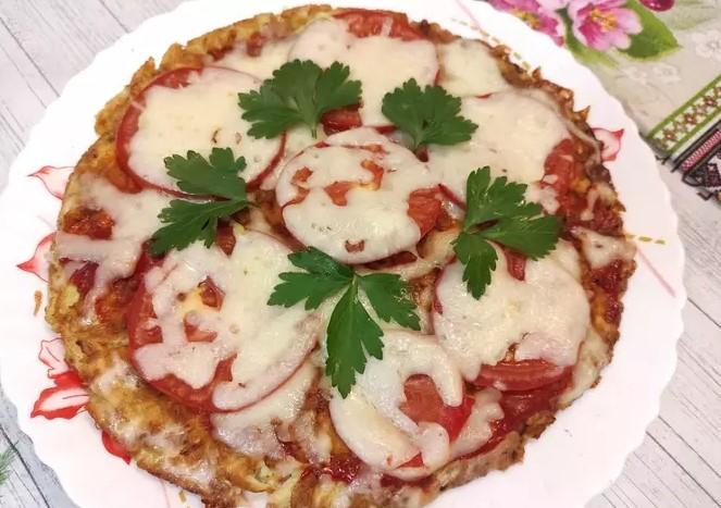 Zucchini pizza in a pan