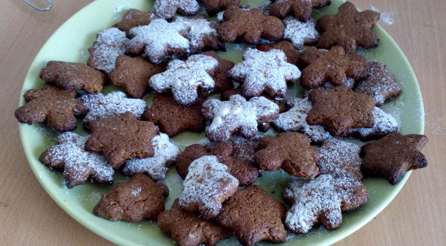 Oatmeal gingerbread cookie