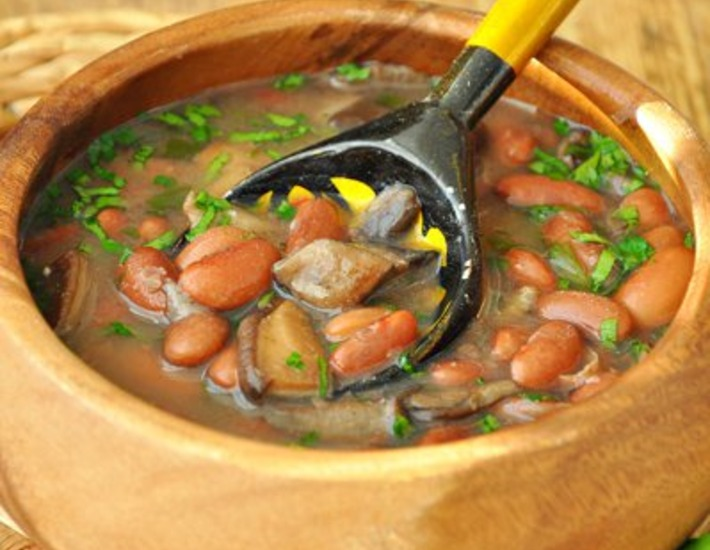 Tuscan mushroom soup with beans