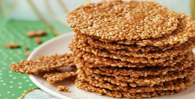 Sesame cookies at home