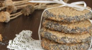 Buckwheat cookies with poppy seeds