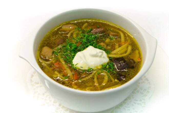 Aromatic mushroom soup with noodles
