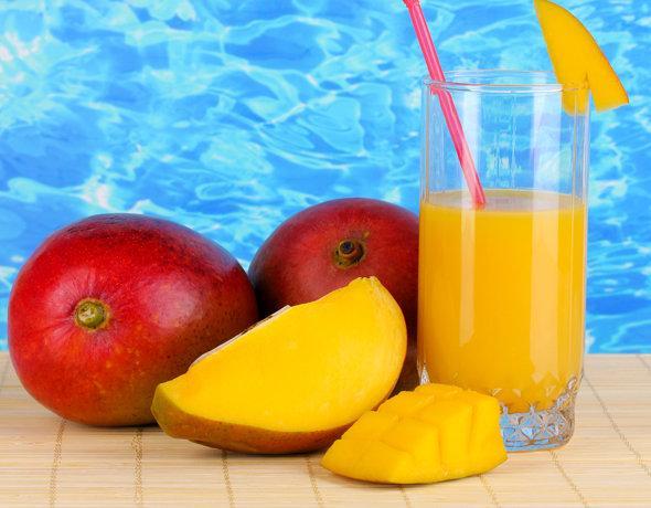 Mango drink with raspberry ice
