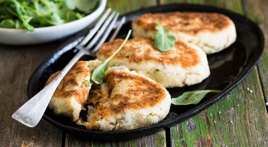 Mackerel fish cakes with mashed potatoes