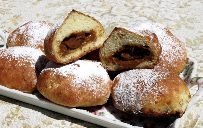 Cottage cheese donuts with boiled condensed milk (in the oven)