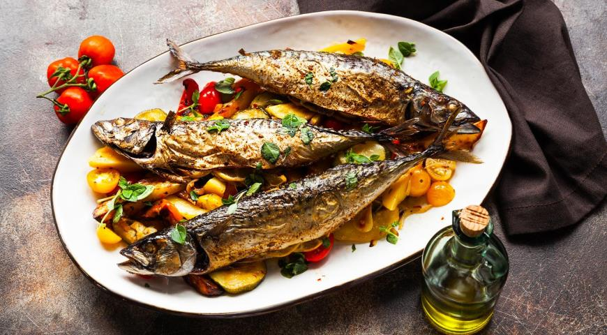 Mackerel with vegetables in the oven