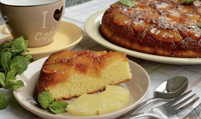 Pineapple flip cake with milk