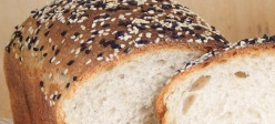 Wheat bread with rye sourdough