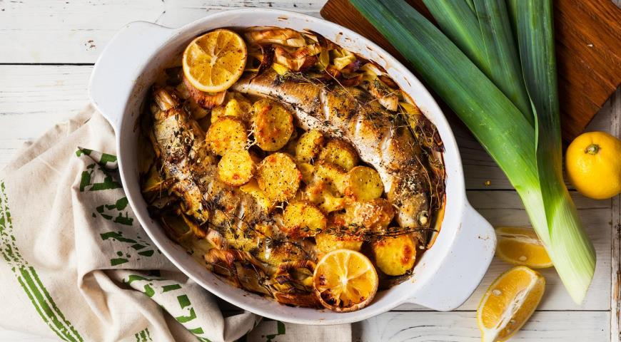 Pike perch with potatoes and leek