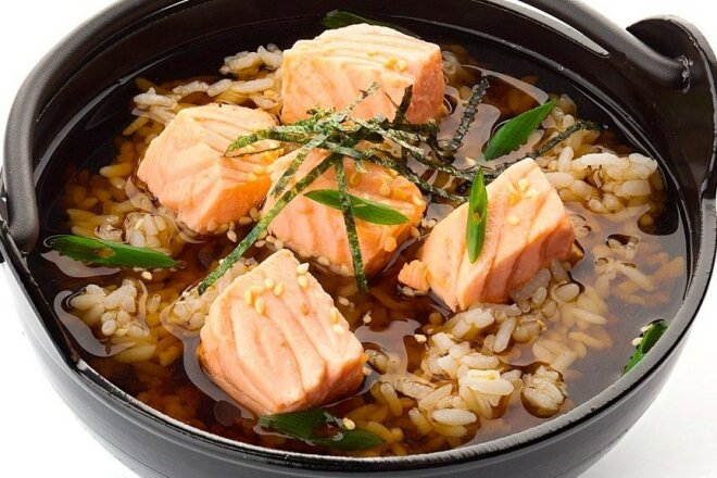 Miso soup with rice, salmon and tuna