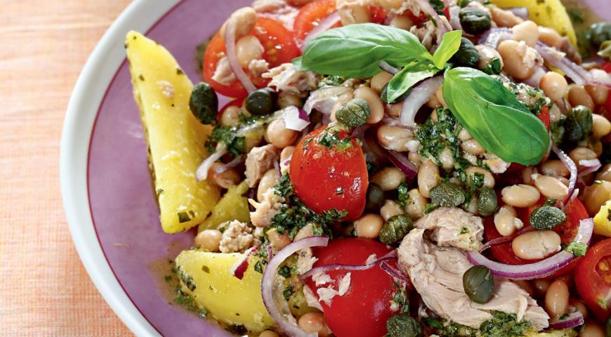 Warm salad of beans, potatoes and tuna