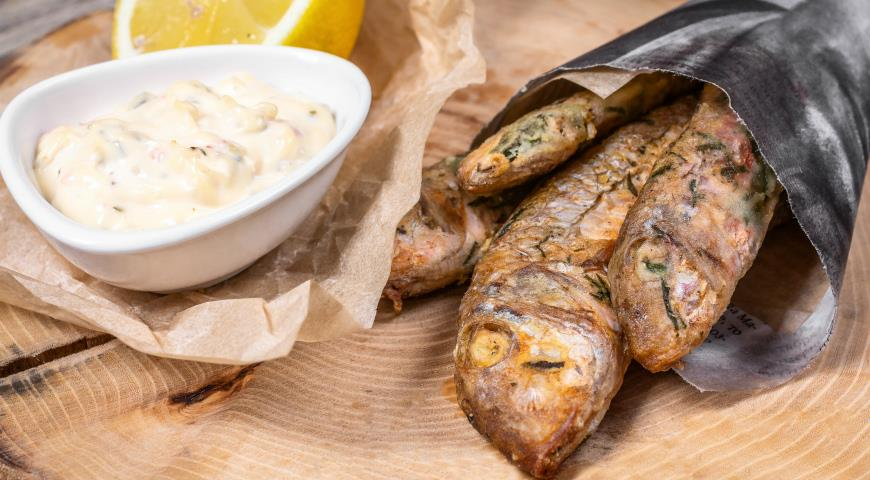 Crimean red mullet with tartar sauce