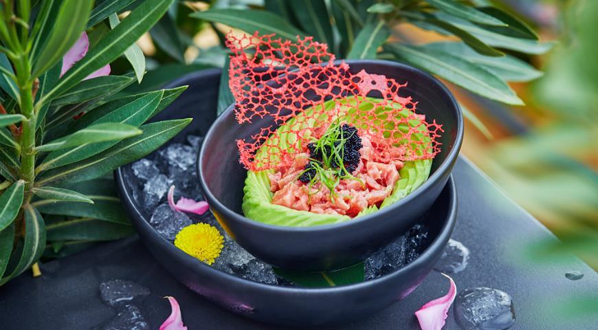 Akame tuna tartare with tobiko caviar and avocado