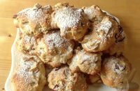 Soft biscuits with apples