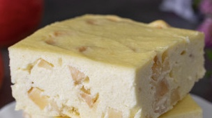 Cottage cheese casserole with apples