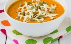 Creamy baked pumpkin soup with garlic